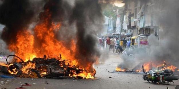 Üç Müslüman yakılarak katledildi