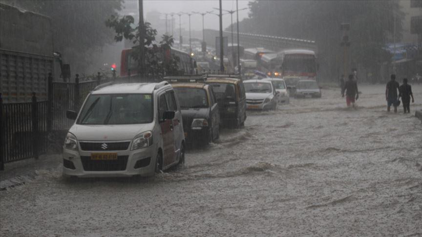 Hindistan'daki şiddetli yağışlardan bir haftada 59 kişi hayatını kaybetti