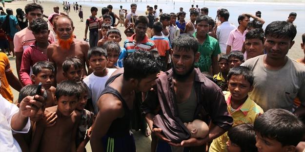 Hindistan'dan skandal! Arakanlı Müslümanlara deniz sınırını kapattı