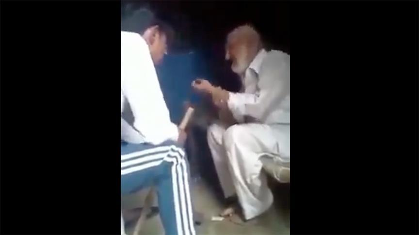 Hindu aşırılıkçıların bir Müslüman'ı darbettiği videoyu paylaşan gazeteciler, hapis cezasıyla karşı karşıya