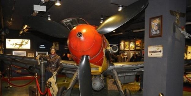 Hitler'in efsane savaş uçağı İstanbul'da!