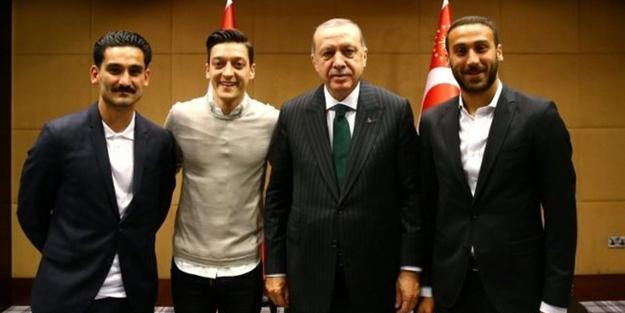 Hitler'in tohumlarından Mesut Özil'e alçak hakaretler!