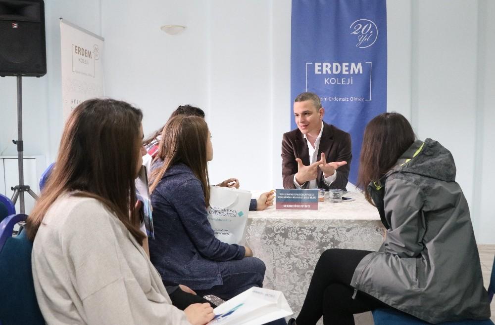 HKÜ Akademisyenleri, Erdem Koleji kariyer günlerinde