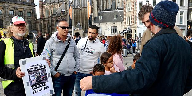 Hollanda'daki Filistin gösterisinde küstah saldırı