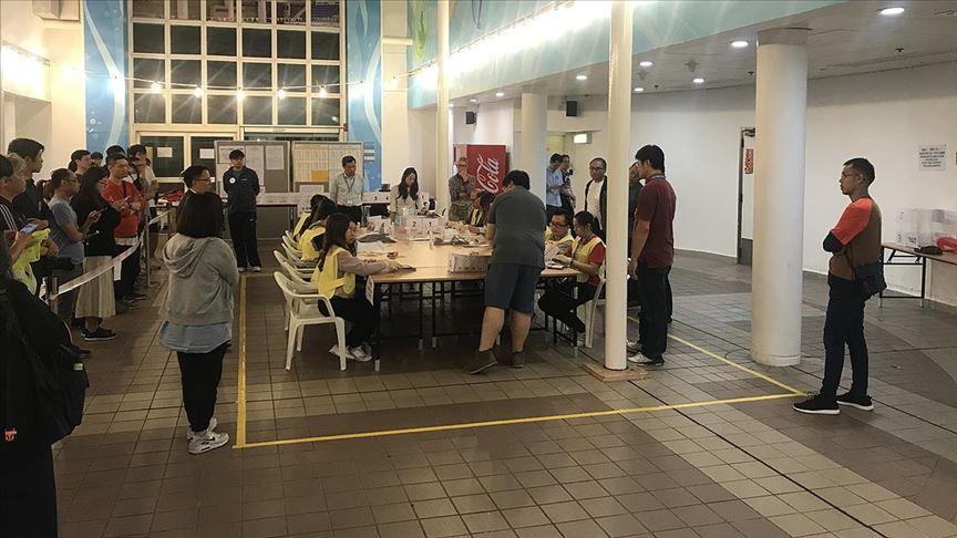 Hong Kong yerel seçiminde sandıktan demokrasi çıktı