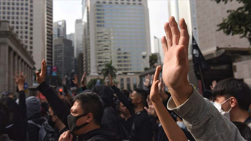Hong Kong'da hükümet karşıtı gösterilerde 200'ün üzerinde protestocu gözaltına alındı