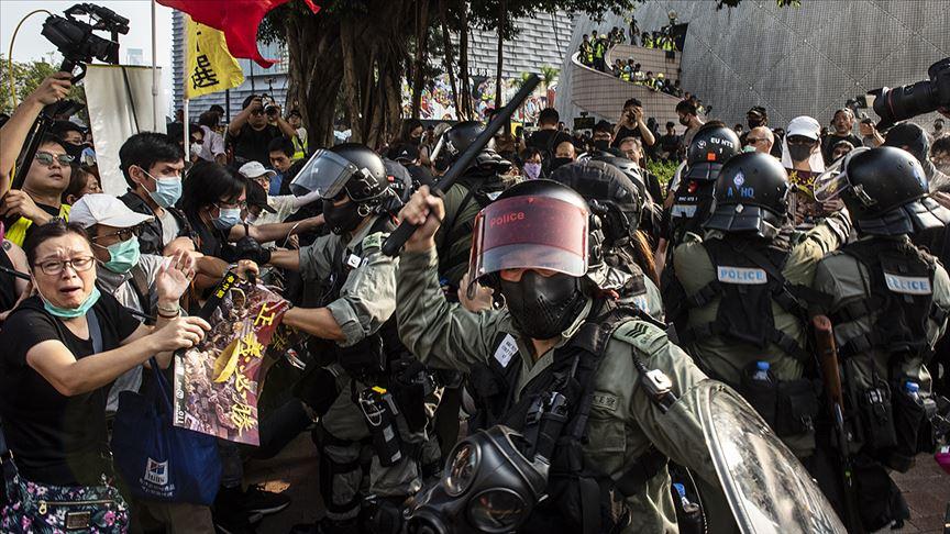 Hong Kong'da protestoların şiddete dönüşmesi endişe oluşturuyor