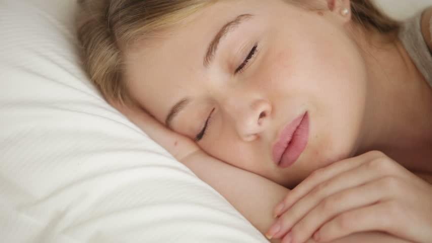 Horlama ve uyku apnesine dur deyin!   Doğal tedavi