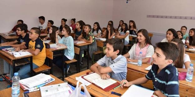 Hükümet düğmeye bastı... Öğretmenin de öğrencinin de yüzü gülecek