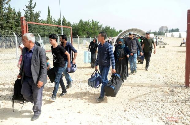 Hükümet harekete geçti! Ülkesine dönen Suriyelilere yardım