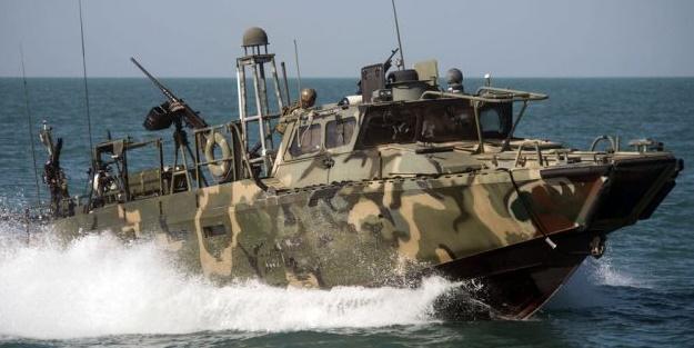 Hürmüz Boğazı'nda ABD ve İran'dan tehlikeli gerilim!