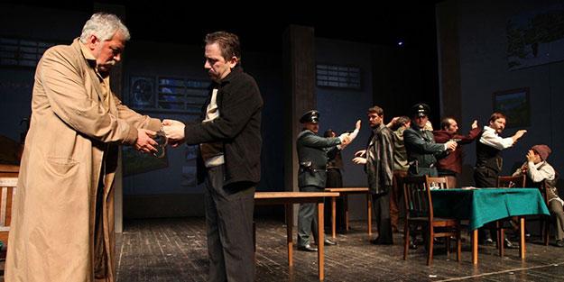 İBB Şehir Tiyatrosu Repertuvar Kurulu Üyesi Çetin: Asıl israf olan bu oyunları sahneden kaldırmak