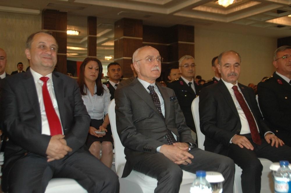 """İçişleri Bakanı Yardımcısı Erdil: """"Özgün bir yöntemle ve teknikle yansımayla ilgili çalışmalarda çözümlendi"""""""