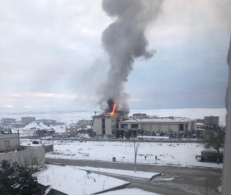 İdil Devlet Hastanesi'nde yangın, hastalar tahliye edildi