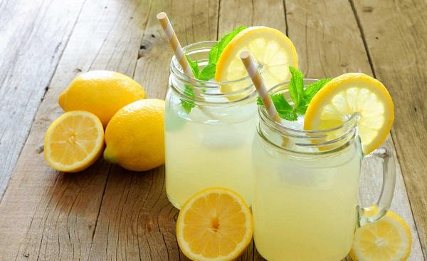İftar sofralarınız için buz gibi bir limonataya ne dersiniz?