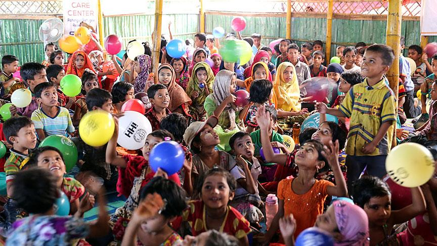 İHH 1,3 milyon Arakanlı'ya insani yardım ulaştırdı