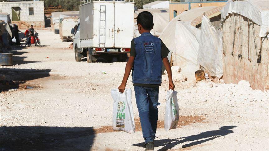 İHH Suriye'de 400 bin kişiye kurban eti ulaştırdı