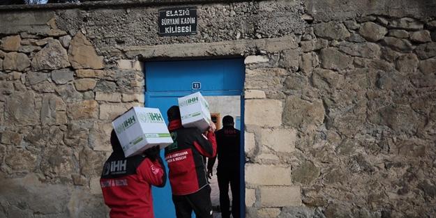 İHH'dan depremden etkilenen Süryani kilisesine yardım!