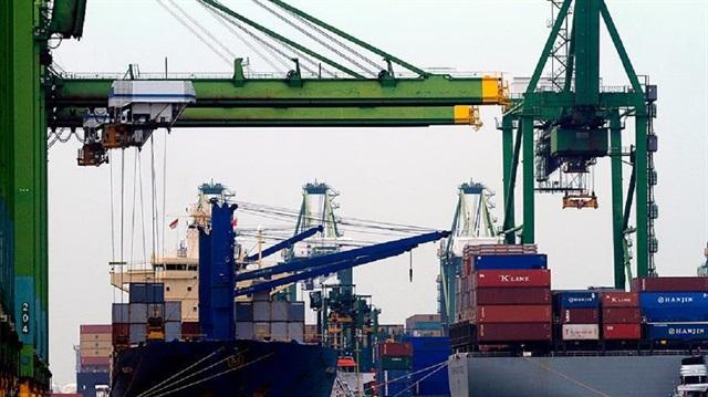 İhracat arttı dış ticaret açığı azaldı