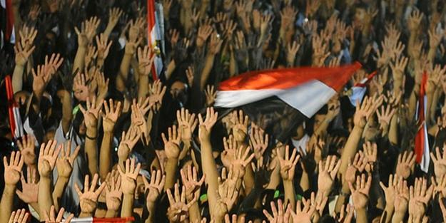 İHVAN'I BİTİRMEK İÇİN TİYATRO KURDULAR! MISIR'DA DARBE KARŞITI 92 KİŞİYE İDAM VE MÜEEBBET HAPİS CEZASI