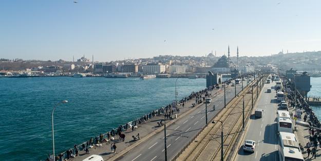 İki kültürü birbirine bağlayan köprü: Galata Köprüsü