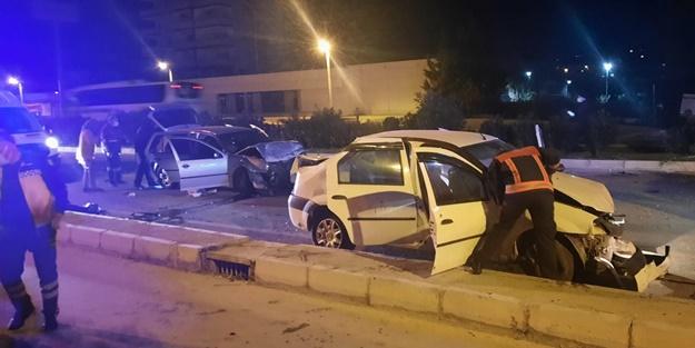 İki otomobil birbirine girdi: Çok sayıda yaralı var