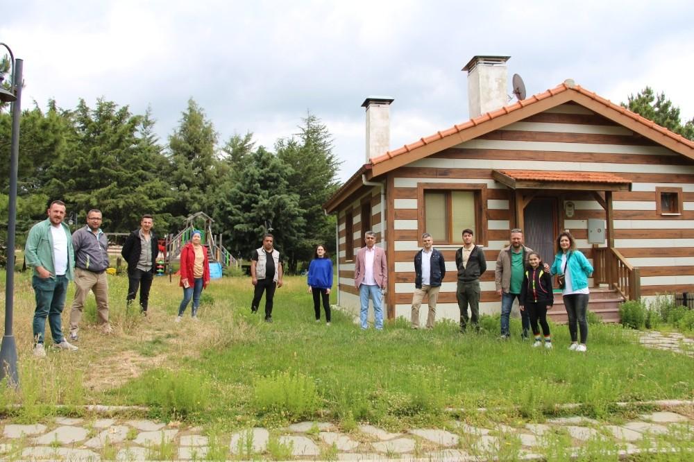 İlçelerde görev yapan gazetecilere Spil Dağı Milli Parkı tanıtıldı