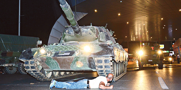 İmanın tanka galebe çaldığı gece: 15 Temmuz