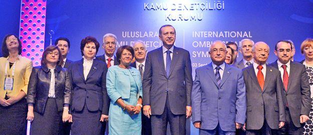 'İmtiyazlılar güçlü demokrasi istemiyor'