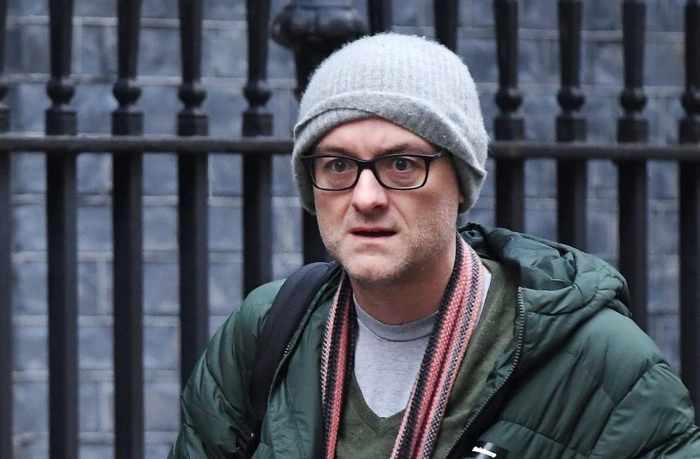 İngiltere Başbakanı Johnson'ın danışmanında korona virüs şüphesi
