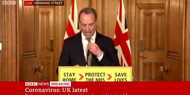 İngiltere Dışişleri Bakanı Dominic Raab'dan tepki çeken hareket