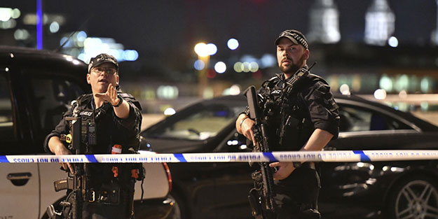 İngiltere polisinden uyarı: Kadınlar sokağa tek çıkmasın