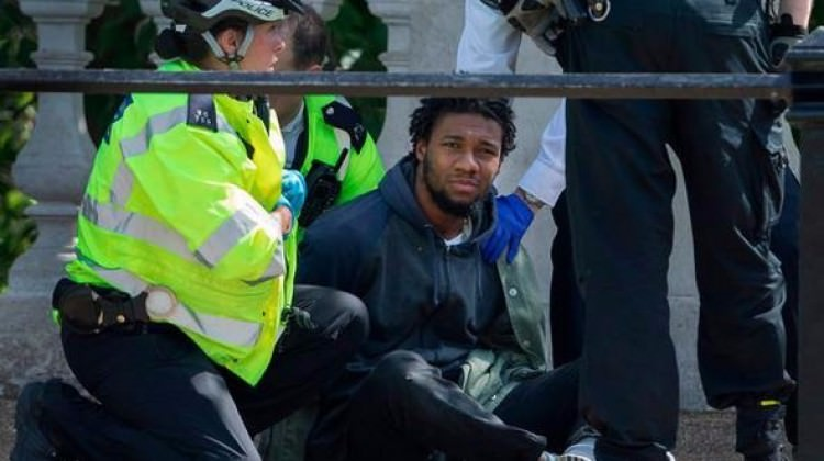 İngiltere şokta! Şimdi de bıçaklı saldırgan gözaltına alındı