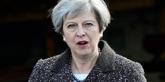 İngiltere'de May için parti içi güven oylaması yapılacak