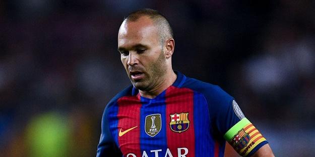 İniesta, Valencia maçında sakatlandı