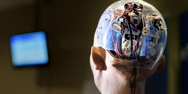 İnsan beynini internet ve bilgisayara bağlamanın yolları aranıyor