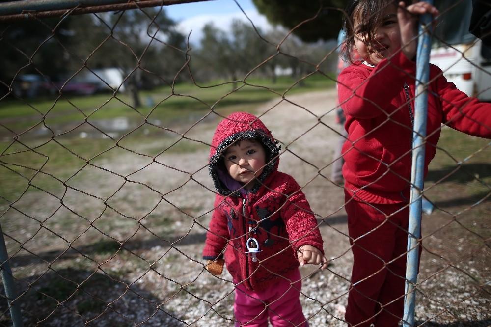 İnsan kaçakçıları göçmenler için seferber oldu