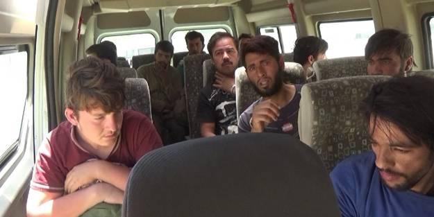 İnsan ticaretine operasyon! Bitlis'te 70 düzensiz göçmen yakalandı