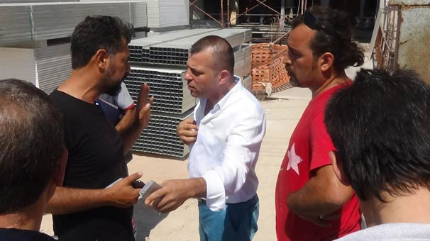 İntihara kalkışan işçilere küfür eden müdüre polis tepkisi