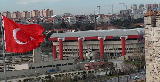 İpekçi'de Fenerbahçe bayrağı asılmadı