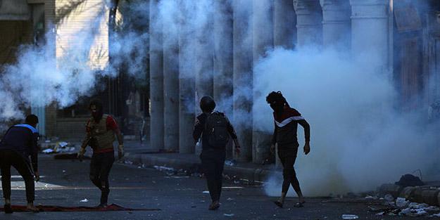 Irak'ta gösteriler alevleniyor! Depolar ateşe verildi