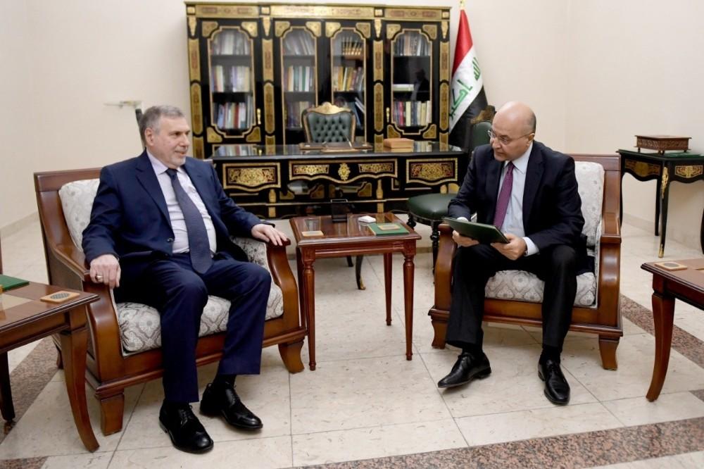 """Irak'ta hükümet kurmakla görevlendirilen Allavi: """"Barışçıl protestoculardan oluşan istişare heyeti kuracağım"""""""