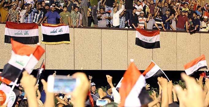 Irak'ta Sadr yanlısı göstericiler Yeşil Bölge'den ayrıldı