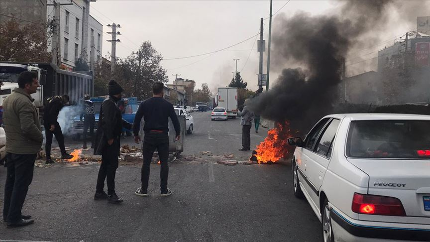 İran'da gösteriler nedeniyle internete erişim engellendi