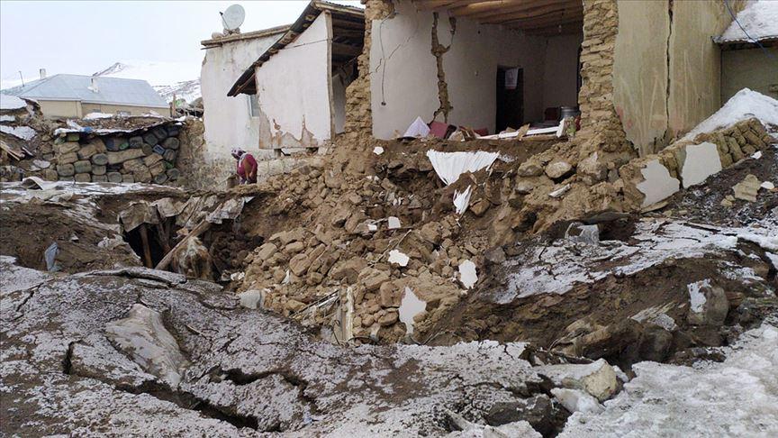 İran'da meydana gelen 5,7 büyüklüğündeki deprem Van ve çevre illerde de hissedildi