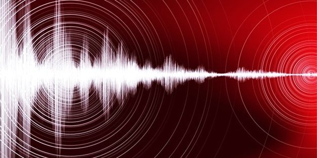 Komşu'da şiddetli deprem