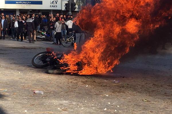 İran'dan göstericilere net mesaj: Düzeni bozanlara...