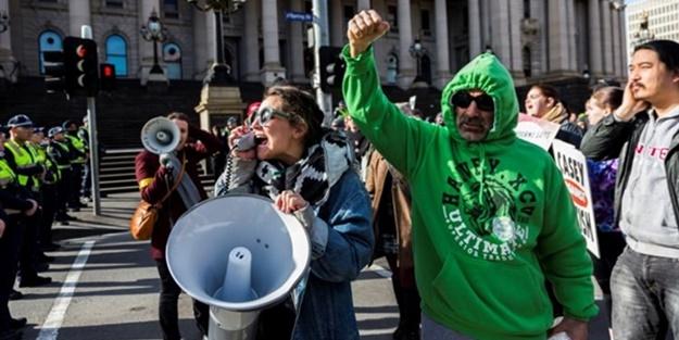 İslam karşıtları Avustralya'yı karıştırdı!