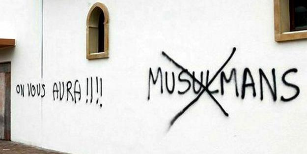 İslam Merkezine alçak saldırı!
