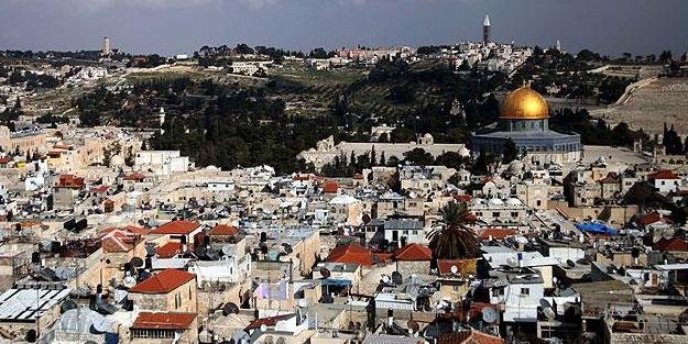 İslami heyetlerden İsrail'in ezan yasağına uymama çağrısı